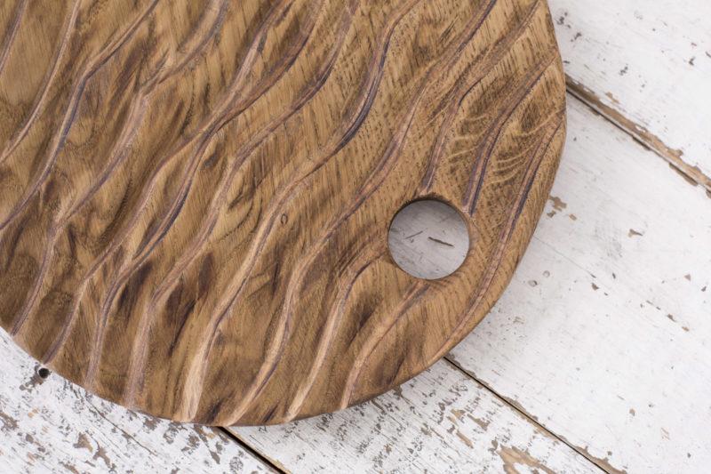 Доски She Круглая разделочная доска с рельефом 1700 руб